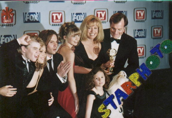 Photos de Mackenzie Rosman - First annual TV Guide Awards 02.01.1999 - 2